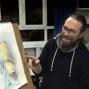 Juan Berrozpe profesor del taller de Dibujo y pintura en la AAG
