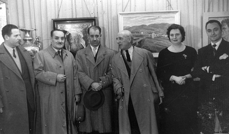 En el mismo certamen, entre otros socios, Gonzalo Manso de Zúñiga, director de S. Telmo (con el sombrero en las manos), Martiarena, La esposa de Francisco Aranaz Darras y este último